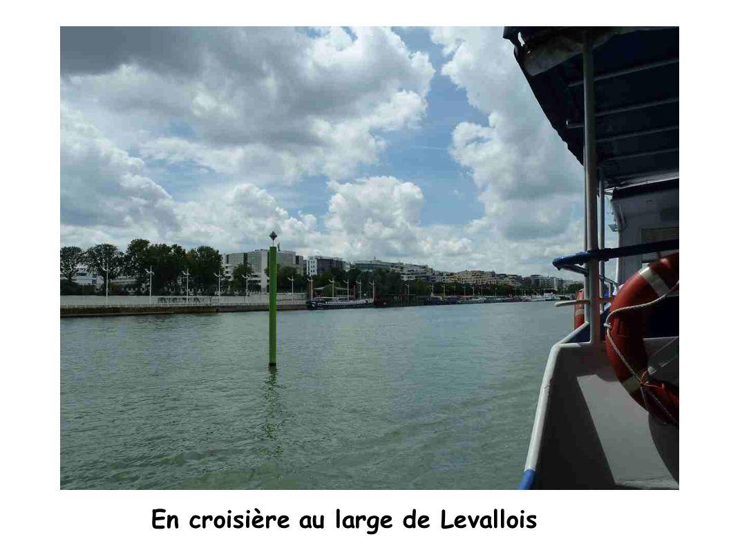 En croisière au large de Levallois