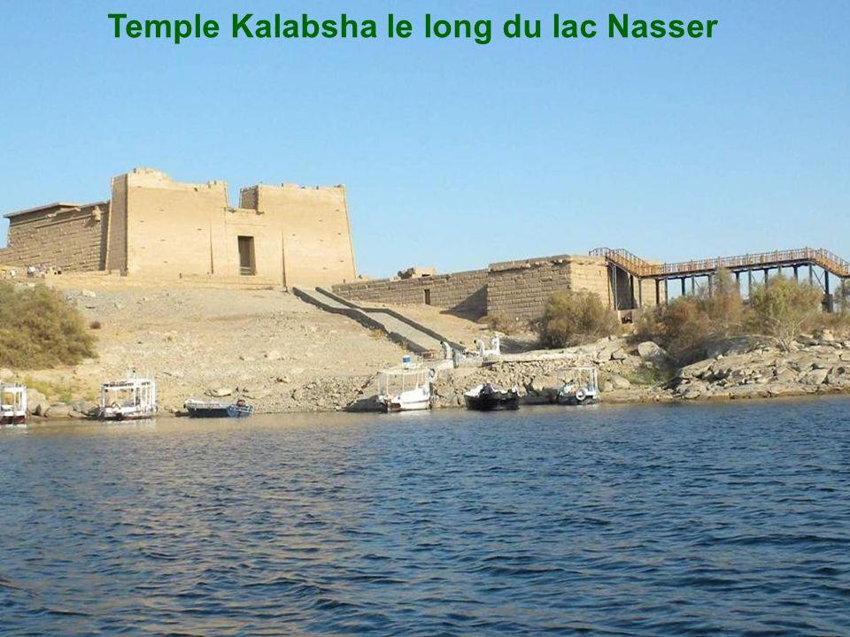 Temple Kalabsha le long du lac Nasser