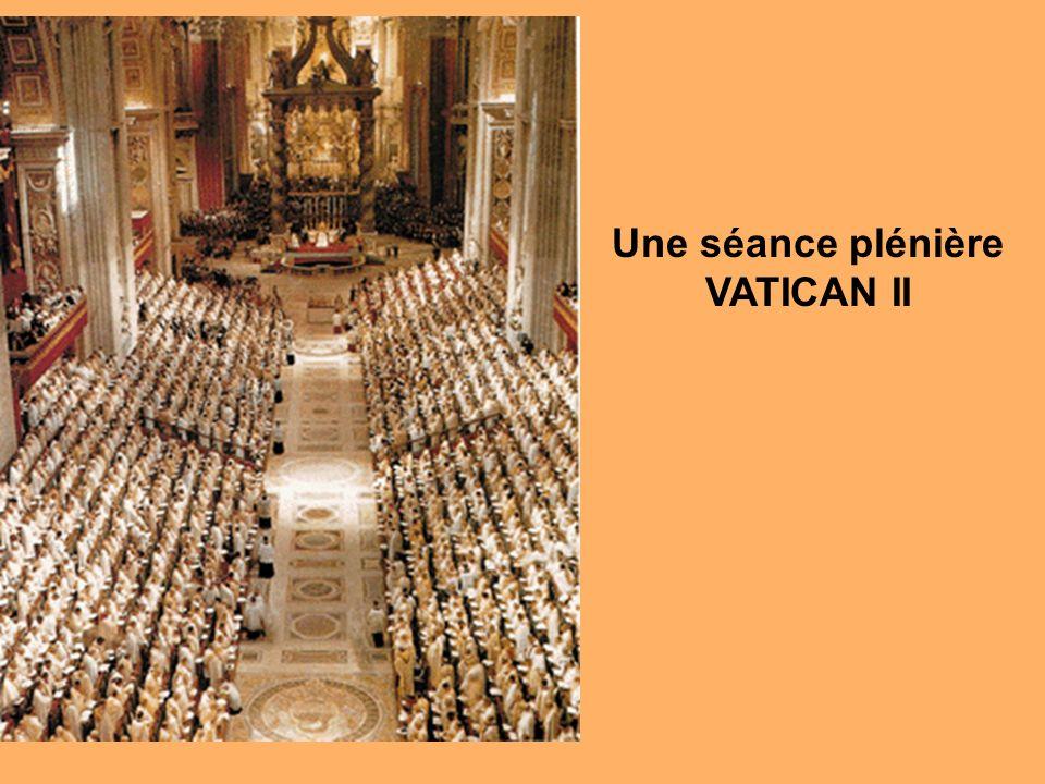 Une séance plénière VATICAN II
