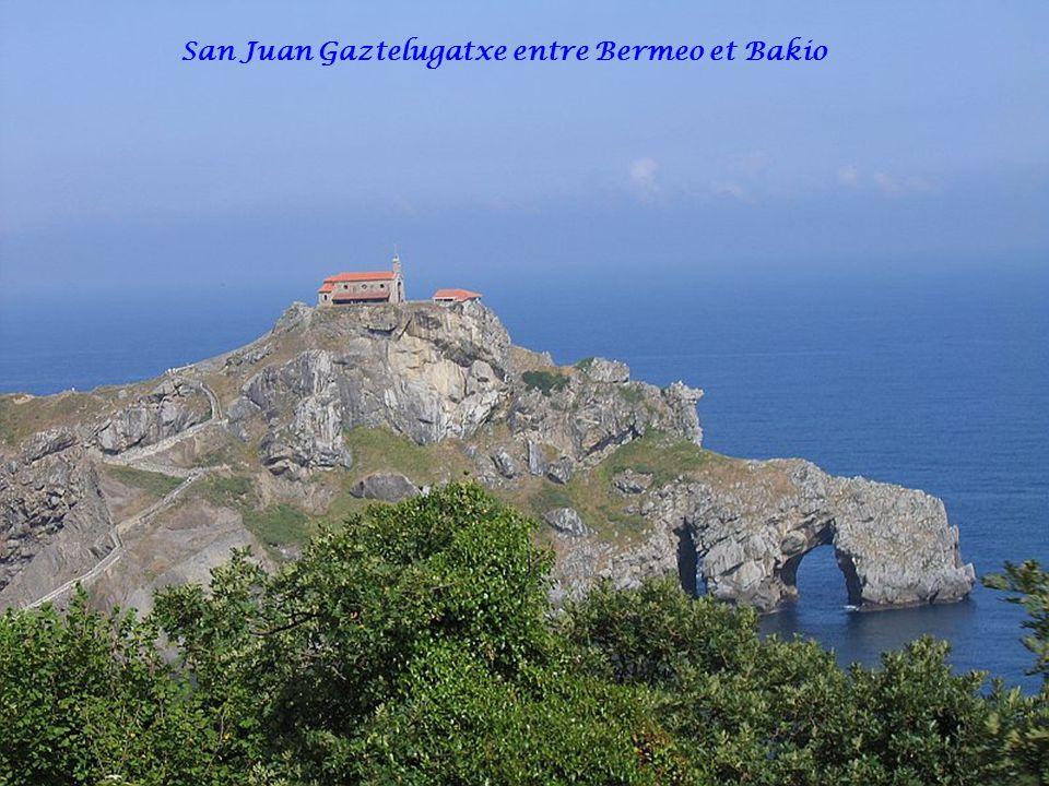 San Juan Gaztelugatxe entre Bermeo et Bakio