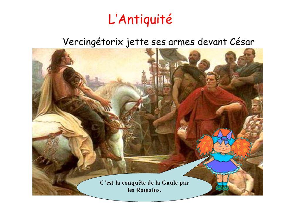 Vercingétorix jette ses armes devant César