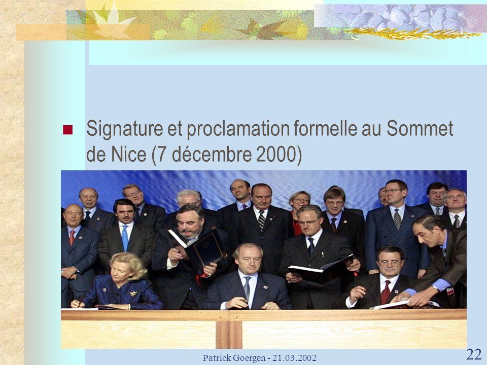 Signature et proclamation formelle au Sommet de Nice (7 décembre 2000)