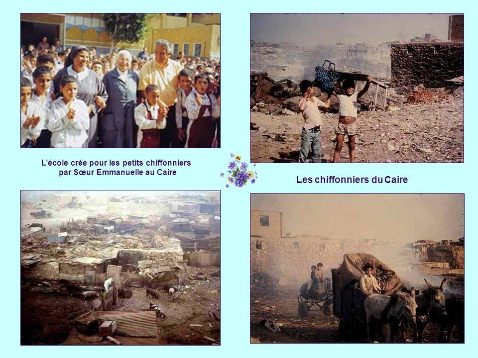 L'école crée pour les petits chiffonniers par Sœur Emmanuelle au Caire