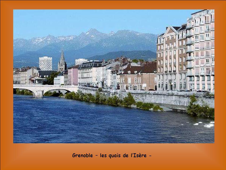 Grenoble – les quais de l'Isère -