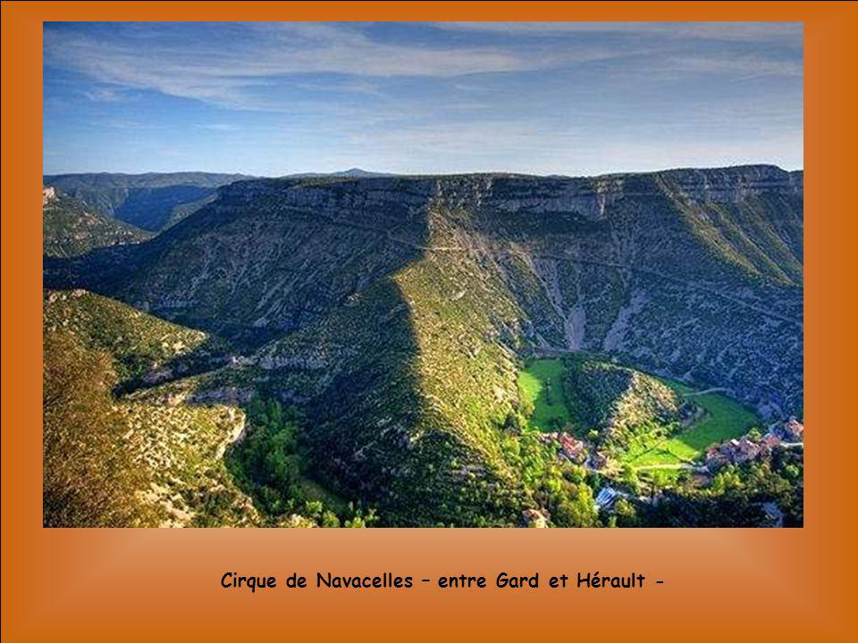 Cirque de Navacelles – entre Gard et Hérault -