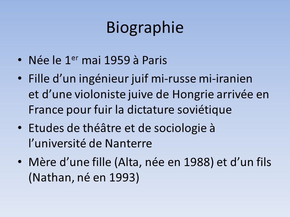 Biographie Née le 1er mai 1959 à Paris
