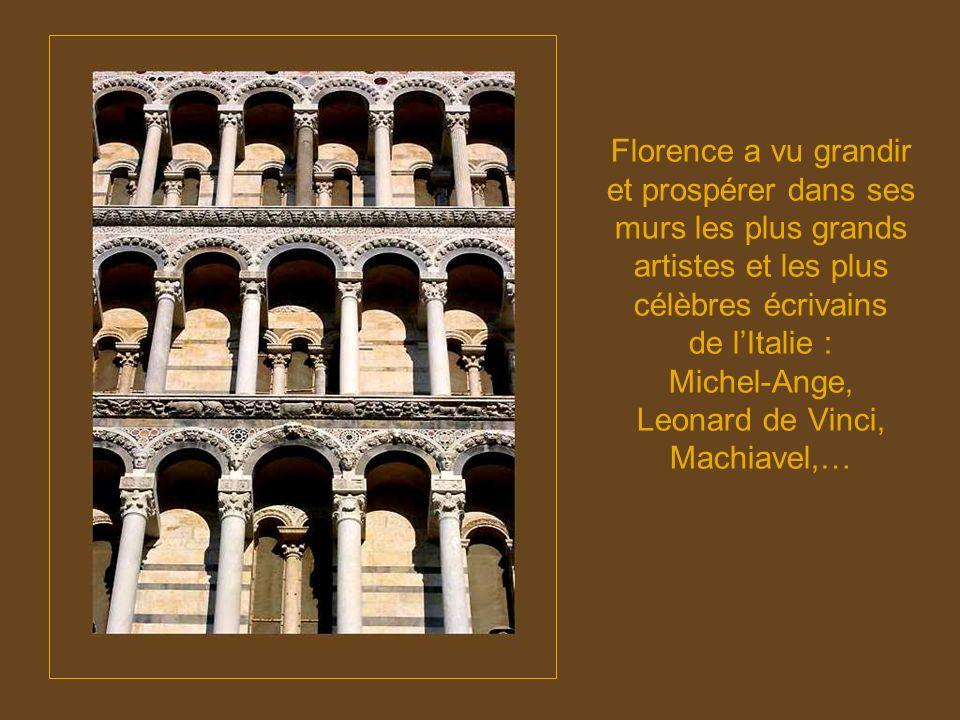 Florence a vu grandir et prospérer dans ses murs les plus grands artistes et les plus célèbres écrivains de l'Italie : Michel-Ange, Leonard de Vinci, Machiavel,…