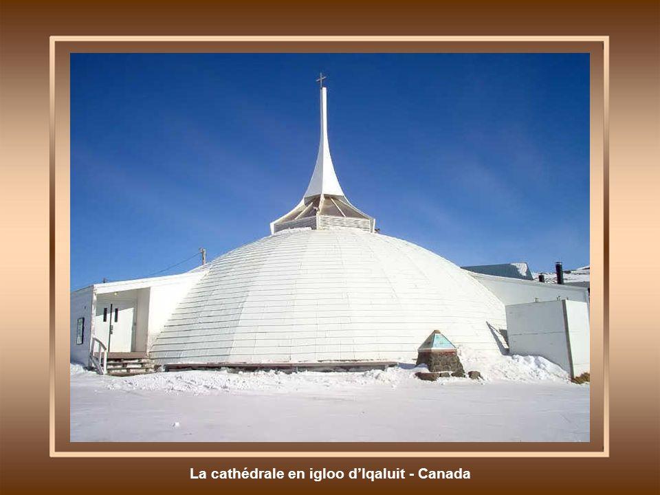 La cathédrale en igloo d'Iqaluit - Canada