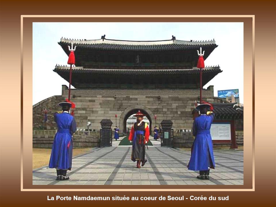 La Porte Namdaemun située au coeur de Seoul - Corée du sud
