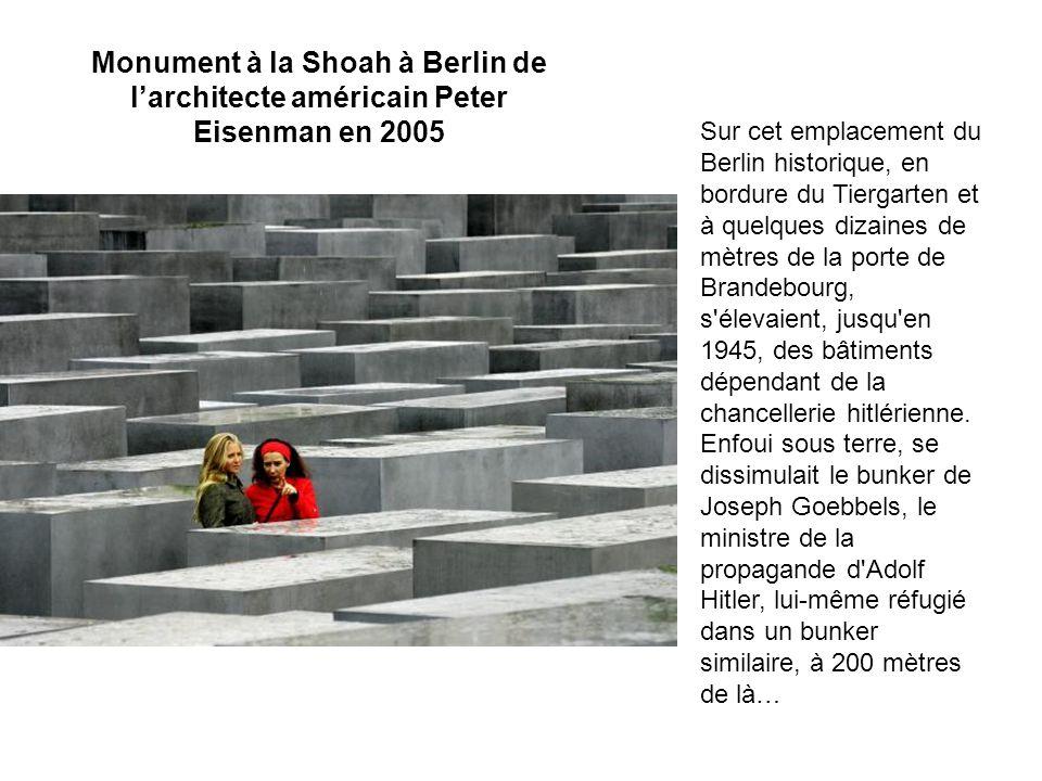 Monument à la Shoah à Berlin de l'architecte américain Peter Eisenman en 2005