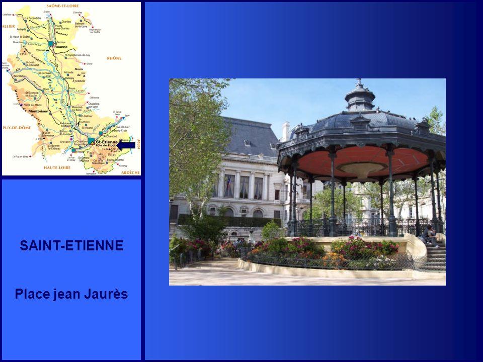 SAINT-ETIENNE Place jean Jaurès