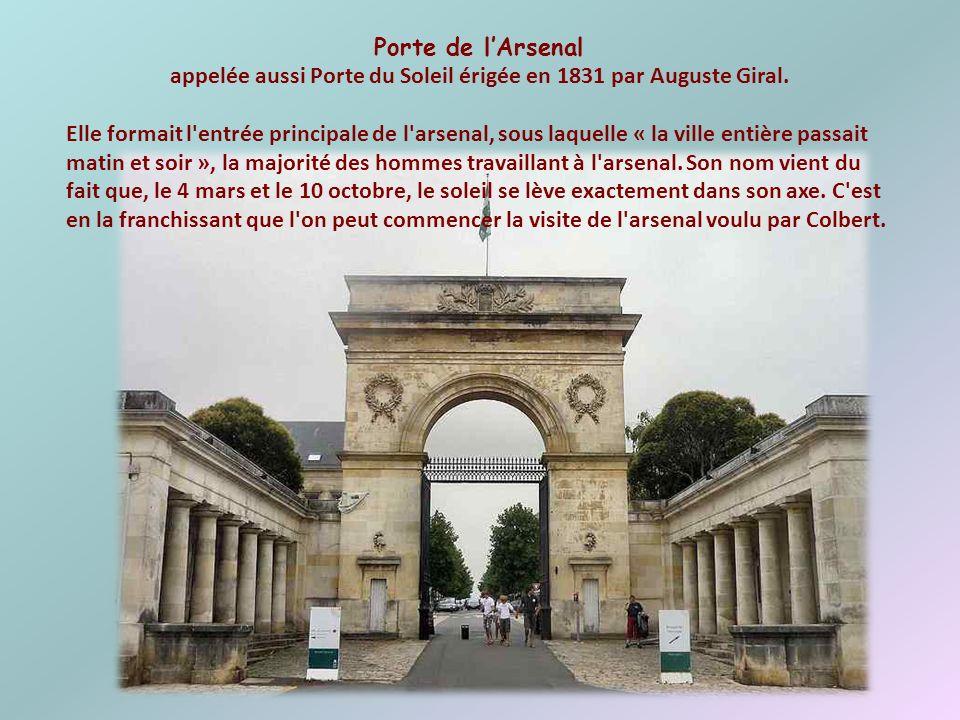 appelée aussi Porte du Soleil érigée en 1831 par Auguste Giral.