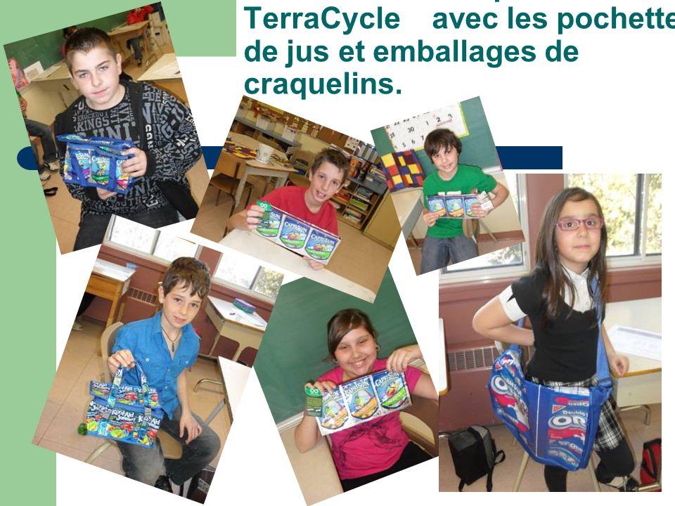 Produits réalisés par TerraCycle avec les pochettes de jus et emballages de craquelins.