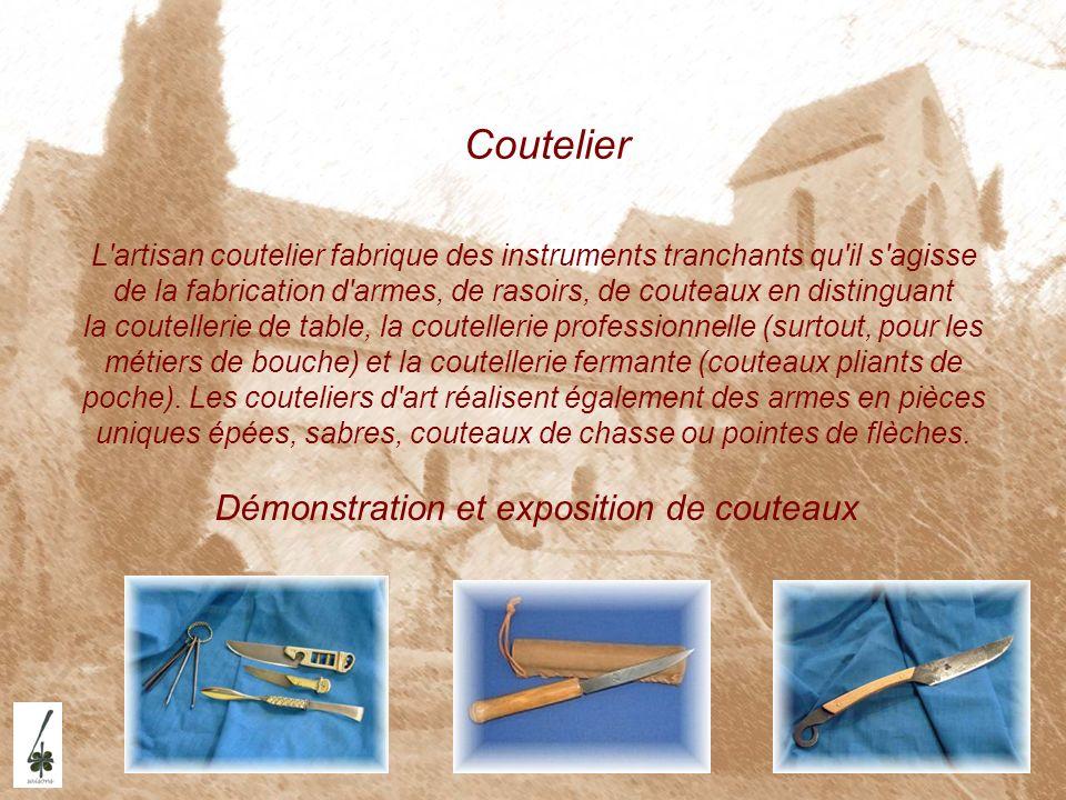 Coutelier Démonstration et exposition de couteaux