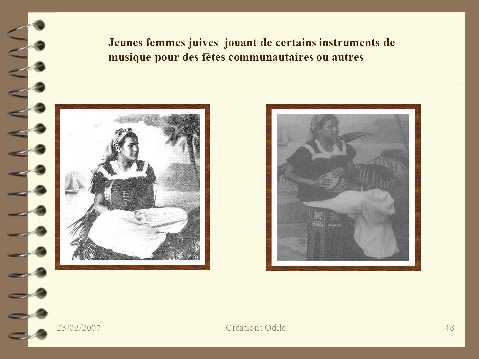 Jeunes femmes juives jouant de certains instruments de musique pour des fêtes communautaires ou autres