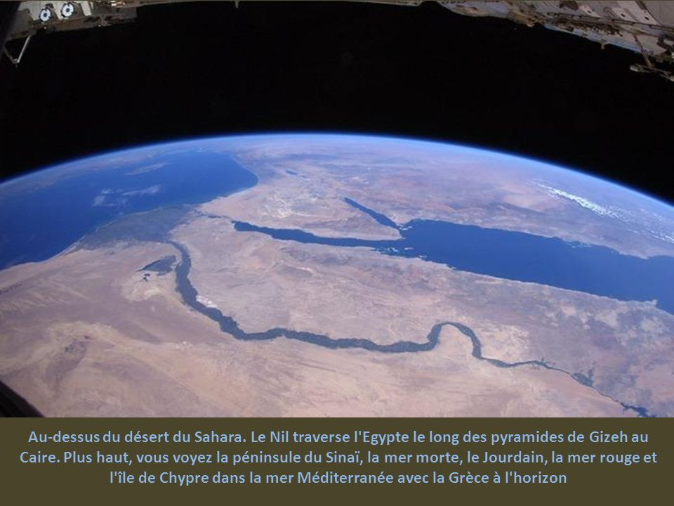 Au-dessus du désert du Sahara