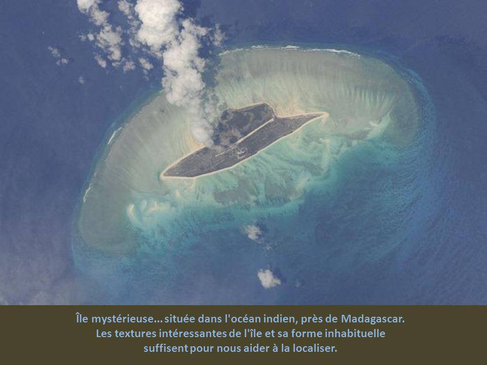 Île mystérieuse... située dans l océan indien, près de Madagascar.