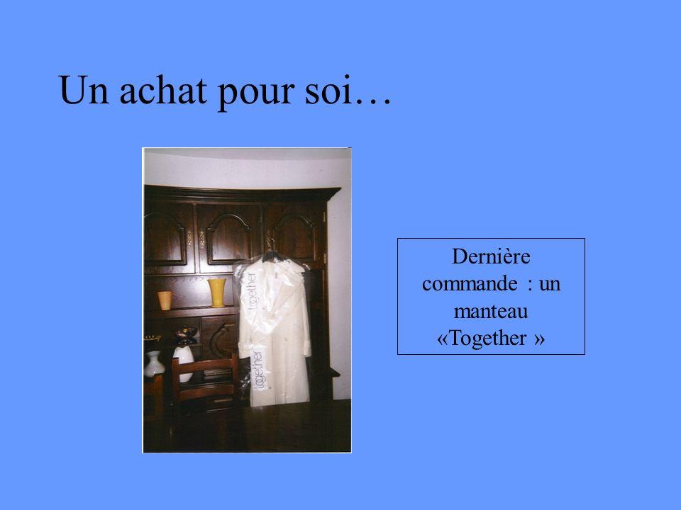 Dernière commande : un manteau «Together »