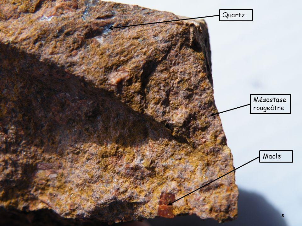 Quartz Mésostase rougeâtre Macle