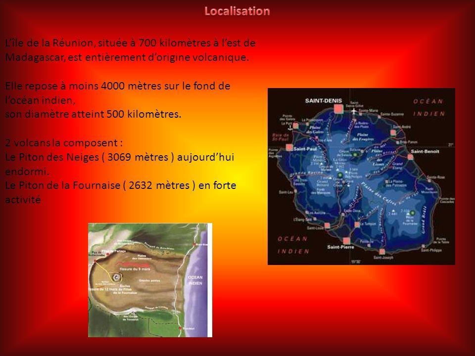 L'île de la Réunion, située à 700 kilomètres à l'est de Madagascar, est entièrement d'origine volcanique.