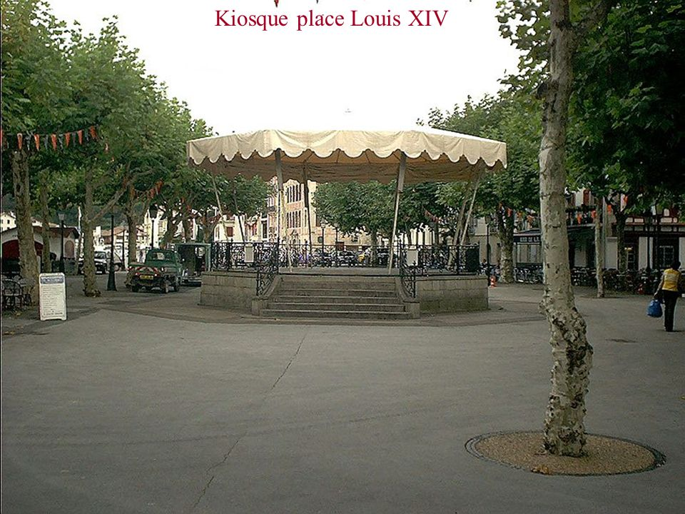 Kiosque place Louis XIV