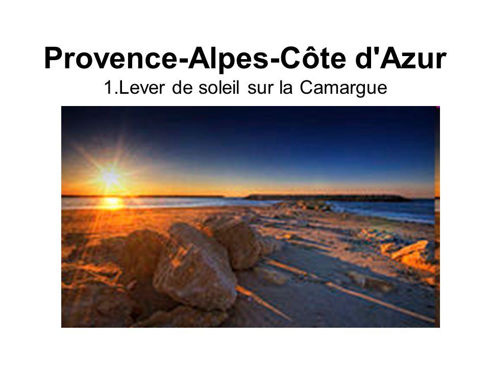 Provence-Alpes-Côte d Azur 1.Lever de soleil sur la Camargue