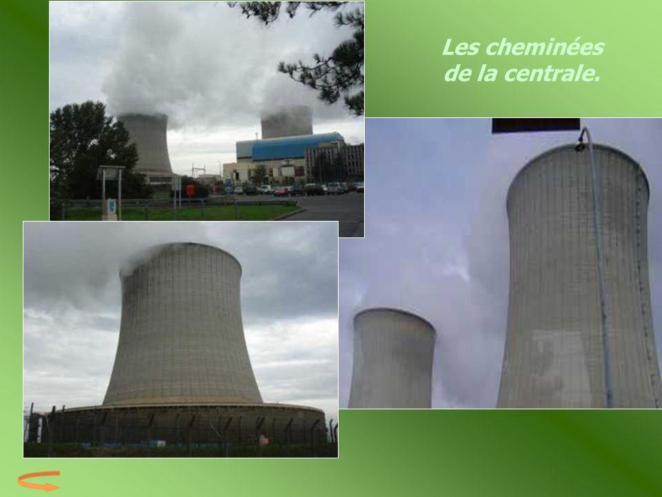 Les cheminées de la centrale.