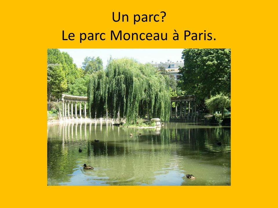 Un parc Le parc Monceau à Paris.