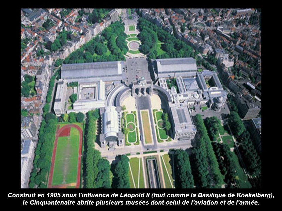 Construit en 1905 sous l influence de Léopold II (tout comme la Basilique de Koekelberg), le Cinquantenaire abrite plusieurs musées dont celui de l aviation et de l armée.