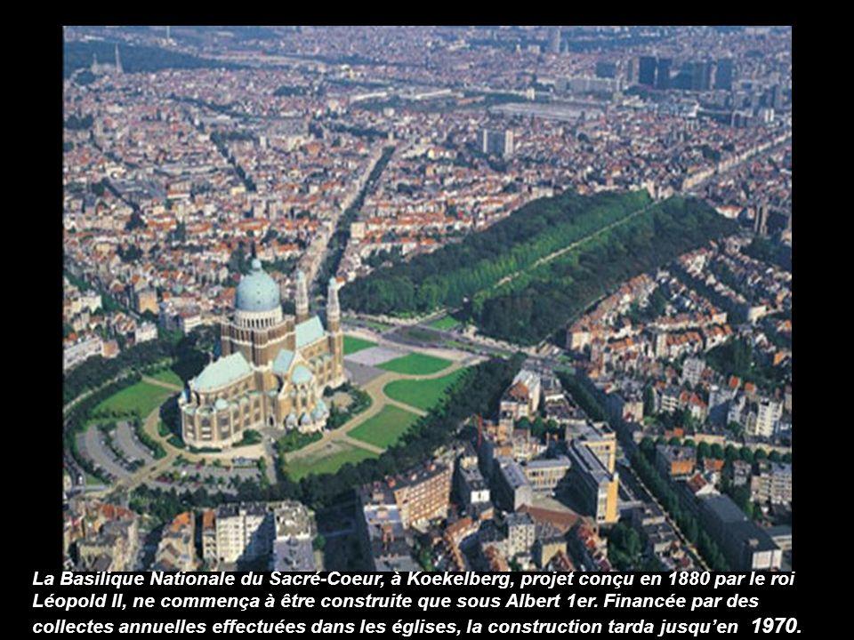 La Basilique Nationale du Sacré-Coeur, à Koekelberg, projet conçu en 1880 par le roi Léopold II, ne commença à être construite que sous Albert 1er.