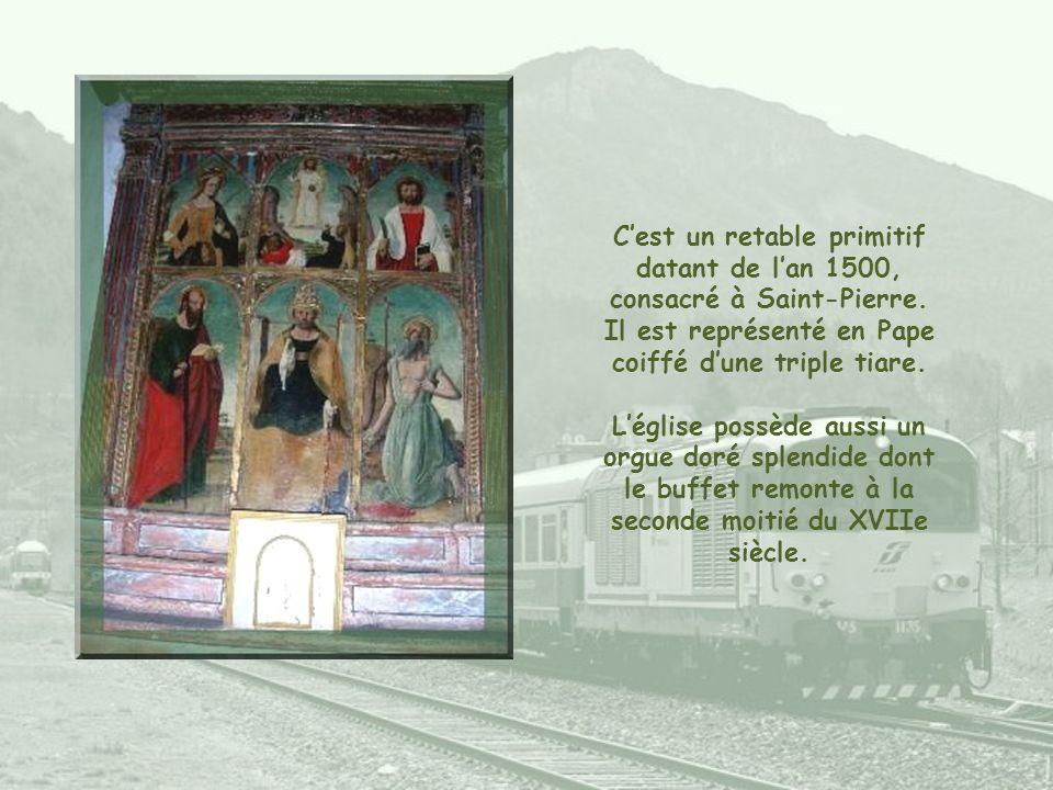 C'est un retable primitif datant de l'an 1500, consacré à Saint-Pierre