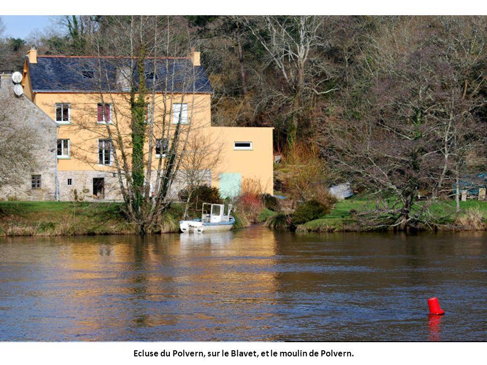 Ecluse du Polvern, sur le Blavet, et le moulin de Polvern.