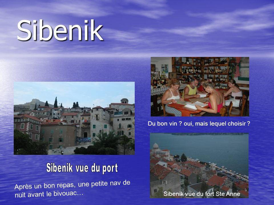 Sibenik Après un bon repas, une petite nav de nuit avant le bivouac…