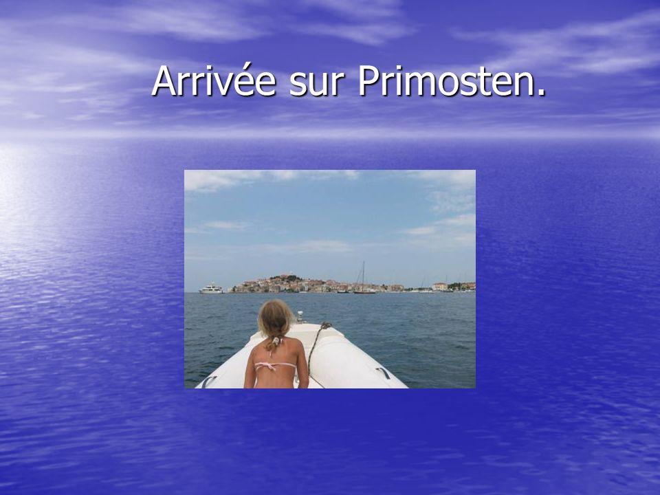 Arrivée sur Primosten.