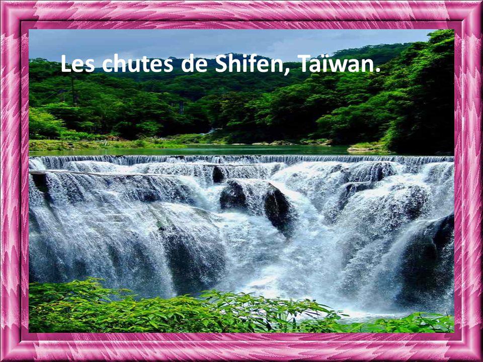 Les chutes de Shifen, Taïwan.