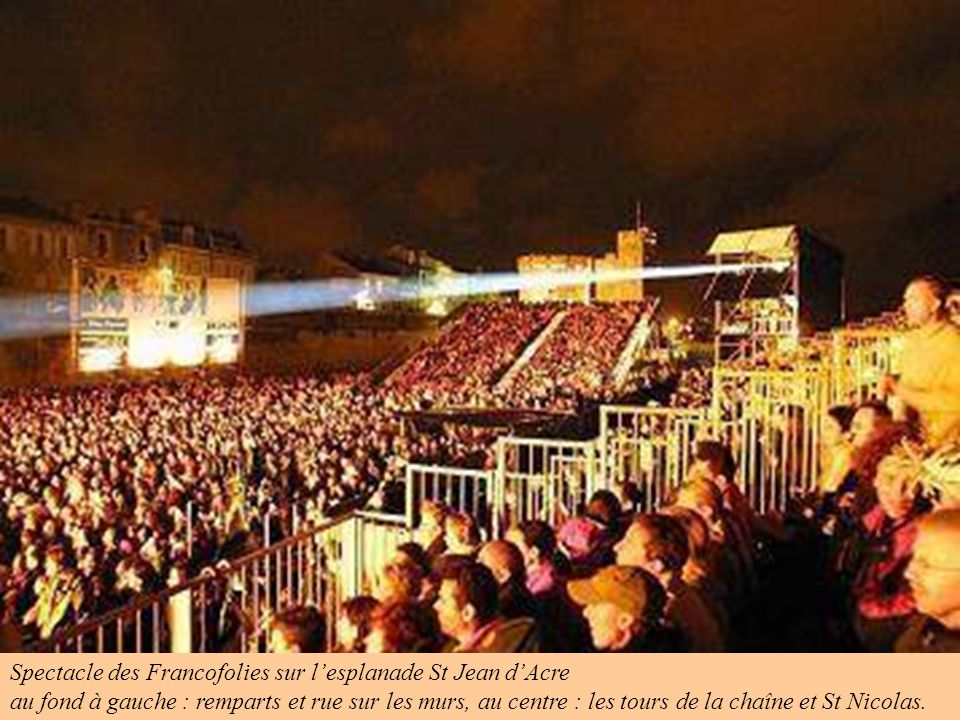 Spectacle des Francofolies sur l'esplanade St Jean d'Acre