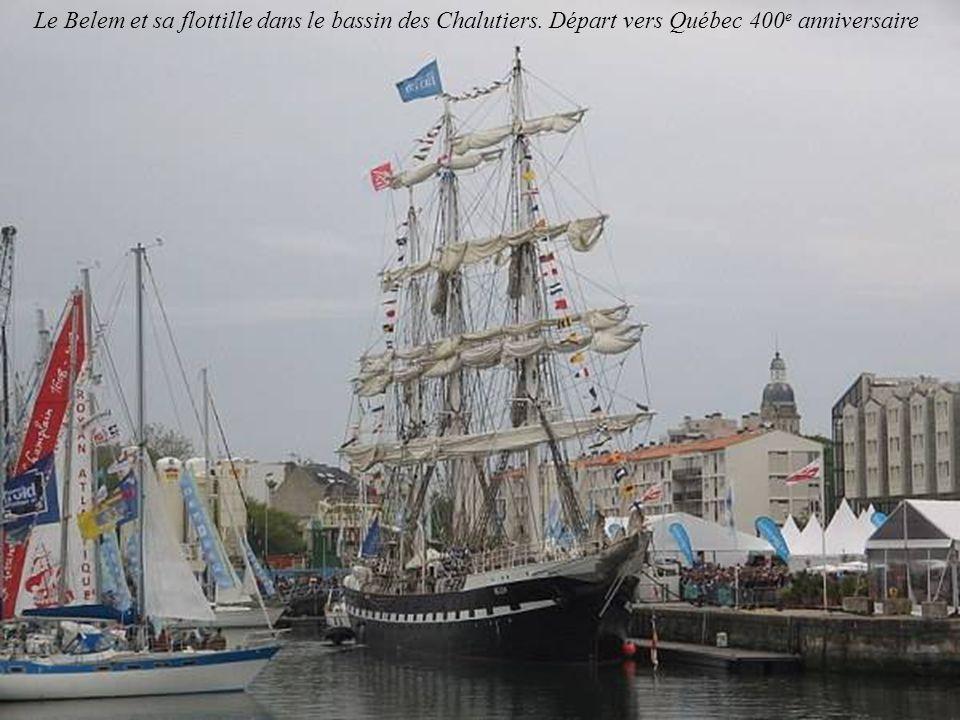 Le Belem et sa flottille dans le bassin des Chalutiers