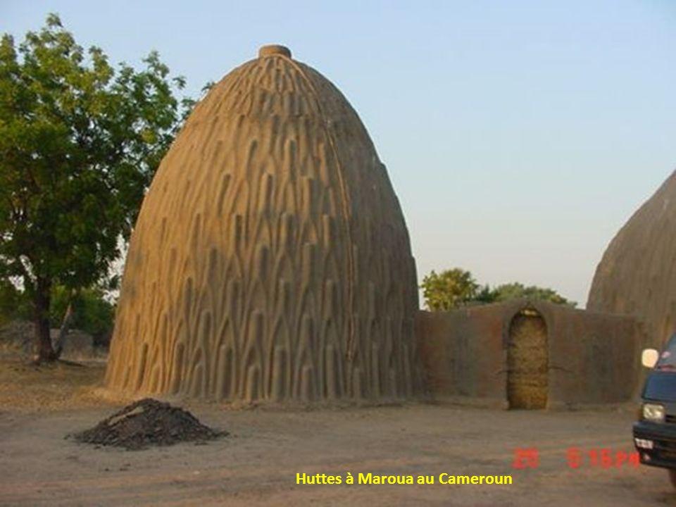 Huttes à Maroua au Cameroun