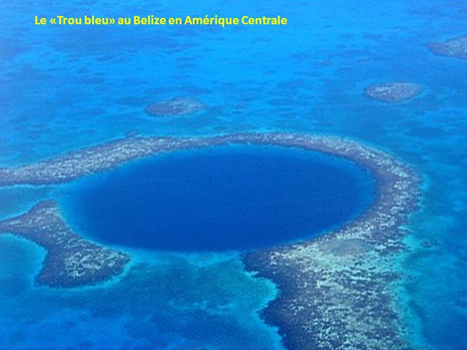 Le «Trou bleu» au Belize en Amérique Centrale