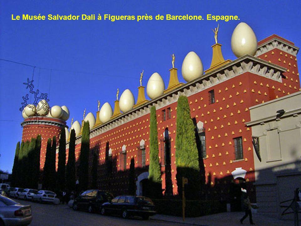 Le Musée Salvador Dali à Figueras près de Barcelone. Espagne.