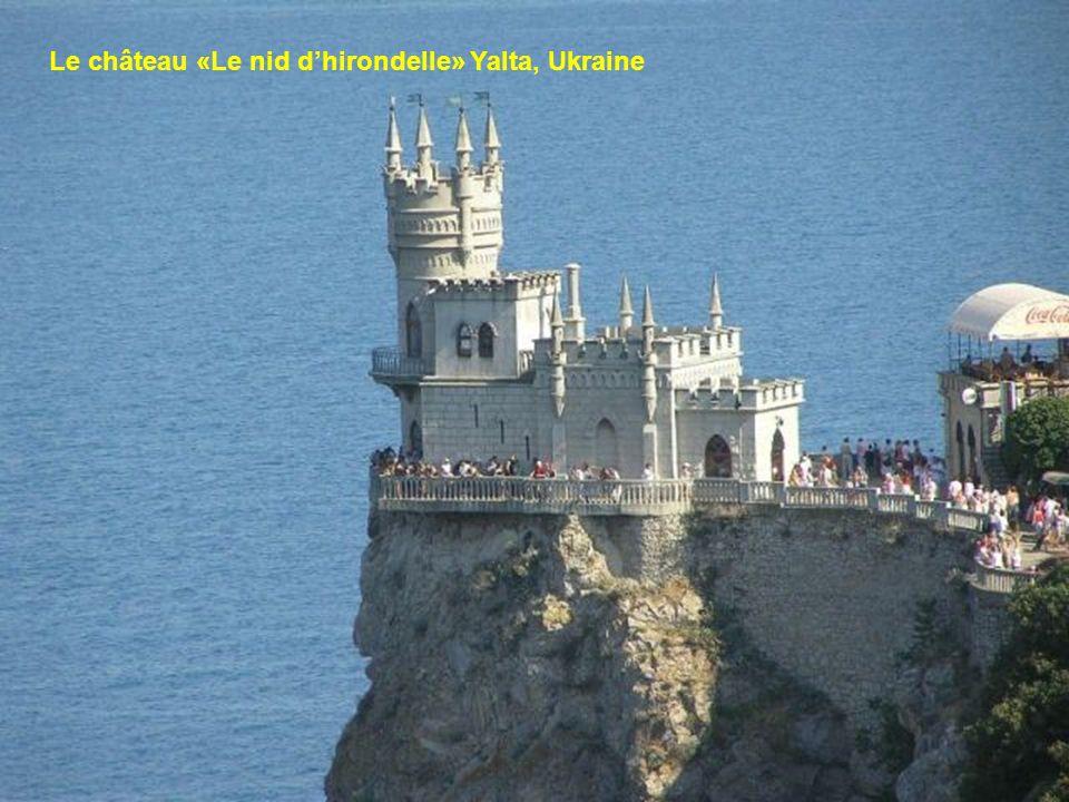 Le château «Le nid d'hirondelle» Yalta, Ukraine
