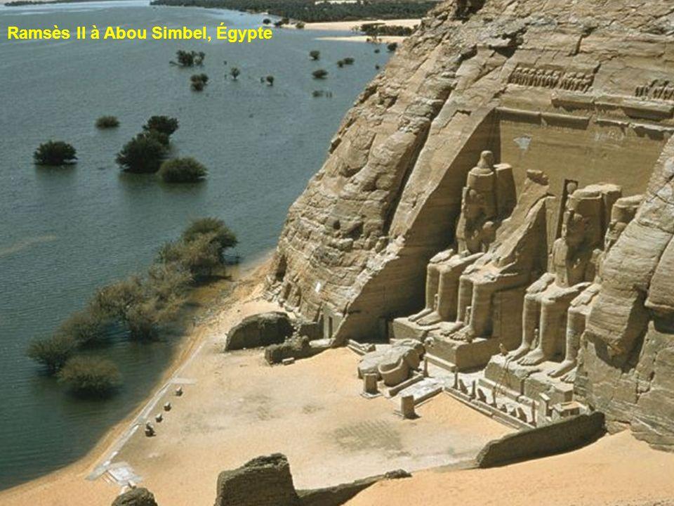 Ramsès II à Abou Simbel, Égypte