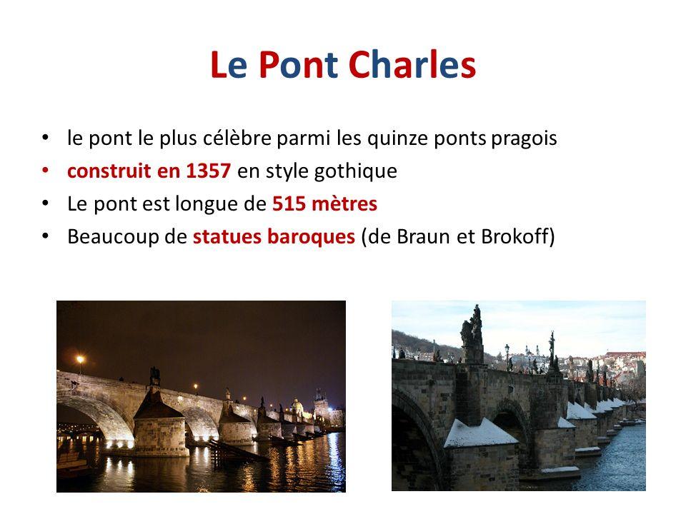 Le Pont Charles le pont le plus célèbre parmi les quinze ponts pragois