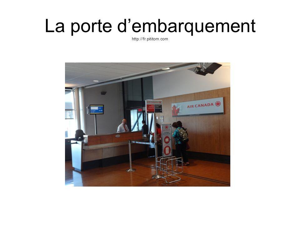 La porte d'embarquement http://fr.pititom.com