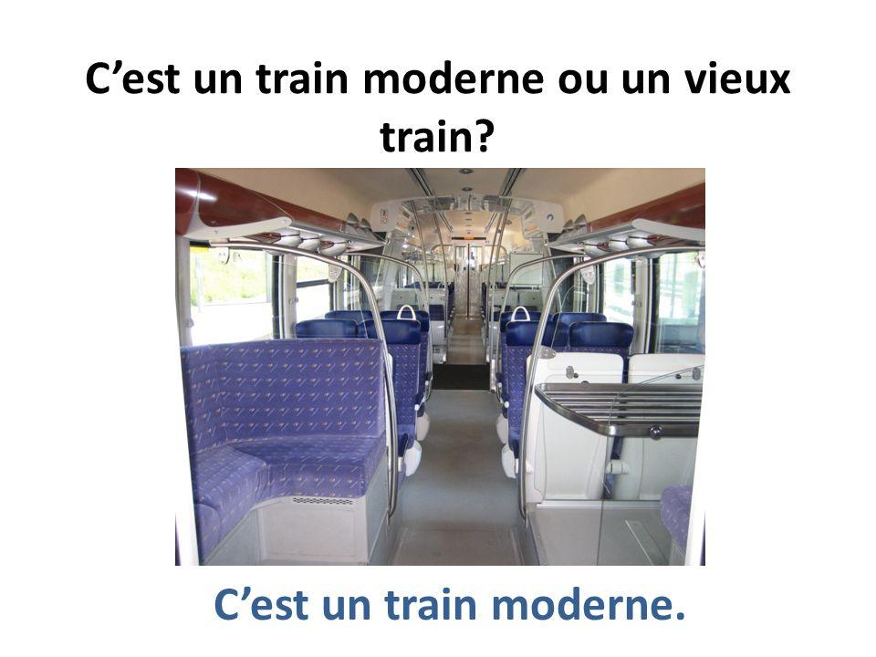 C'est un train moderne ou un vieux train
