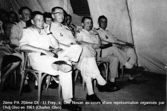 2ème PA 20ème DI - Lt Frey, x, Cne Nouan au cours d'une représentation organisée par l'Adj Ghio en 1961 (Charles Ghio)
