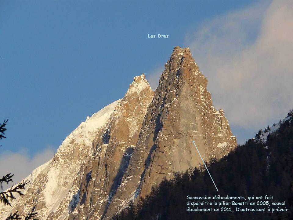Les Drus Succession d'éboulements, qui ont fait disparaître le pilier Bonatti en 2005, nouvel éboulement en 2011… D'autres sont à prévoir.