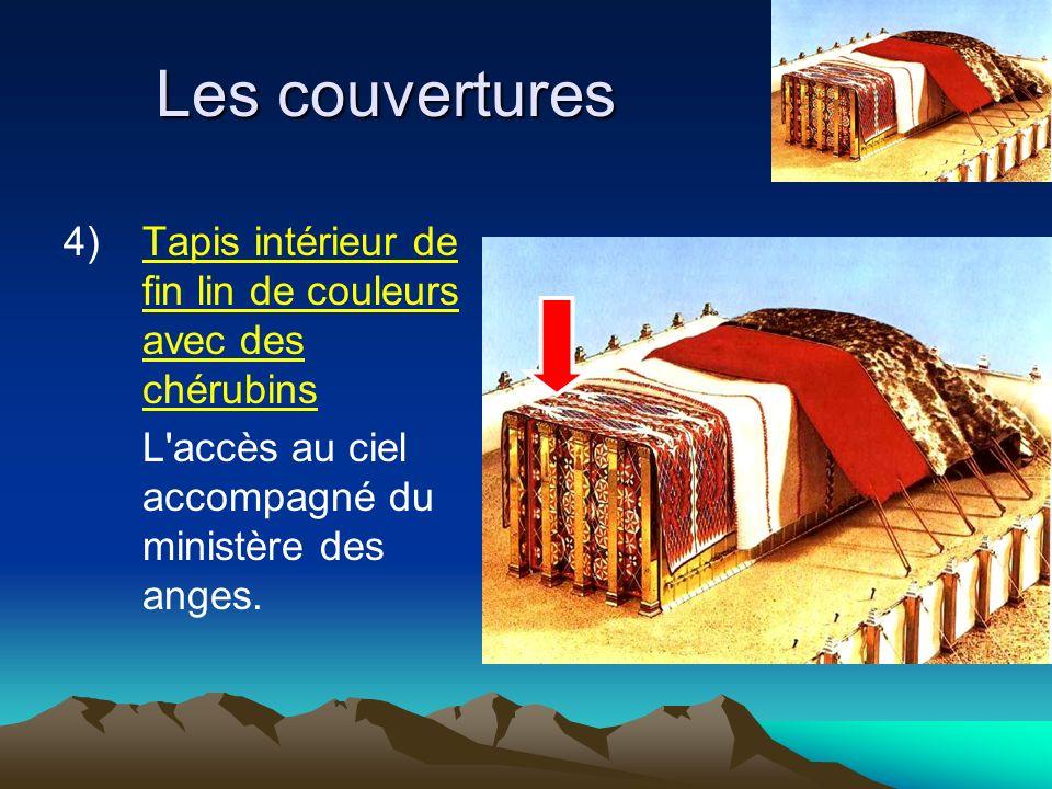 Les couvertures 4) Tapis intérieur de fin lin de couleurs avec des chérubins.