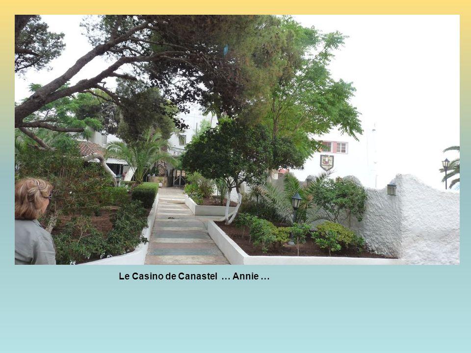Le Casino de Canastel … Annie …