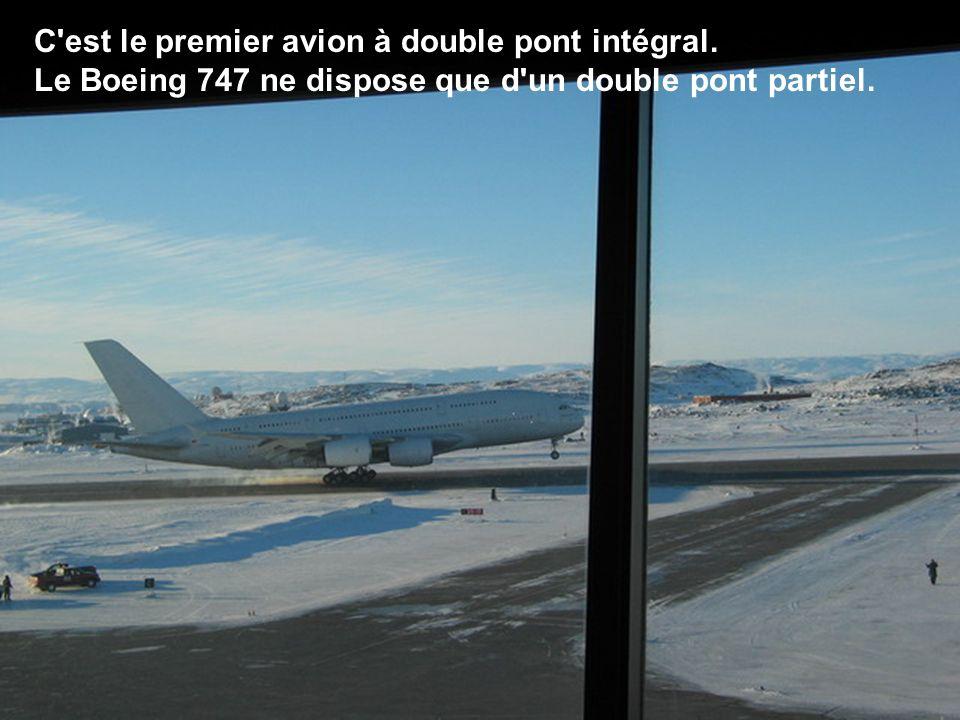 C est le premier avion à double pont intégral